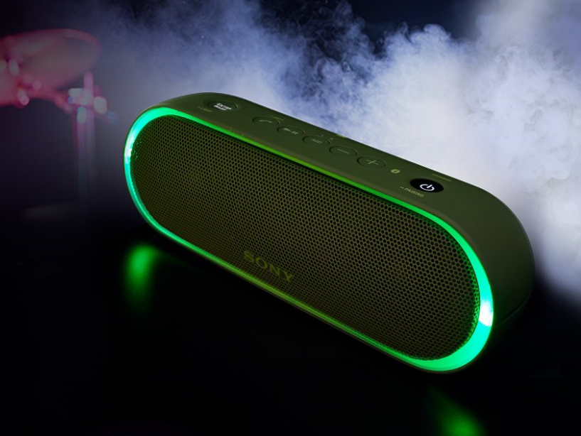 Få bättre tryck i basen med EXTRA BASS Tryck på EXTRA BASS-knappen och  skaka liv i musiken. Stereohögtalarnas dubbla passiva radiatorer förbättrar  låga ... 16bdd12ed1f63